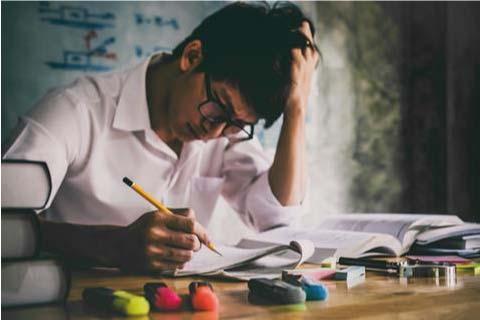 asian-student-revising